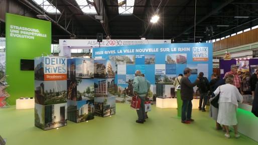 A la Foire européenne, le stand de la Ville de Strasbourg présente les projets au bord du Rhin. (Photo JFG/ Rue89 Strasbourg)