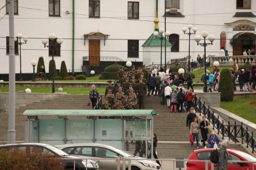 Minsk compte 2 millions d'habitants. La ville ne cesse de construire de nouveaux logements pour faire face à l'exode rural.