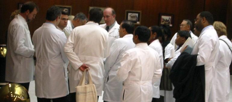 Boudés par les jeunes, les cabinets de médecins libéraux cherchent des successeurs
