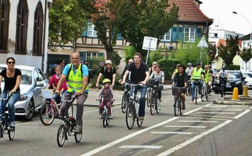 Le mouvement souhaite sensibiliser sur la faiblesse des aménagements pour vélo à la Robertsau (Photo page Facebook de la page Robertsau : vite des pistes cyclables)