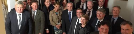 """Réunion des """"grands élus"""" de la majorité alsacienne, mardi soir au Sénat (Photo blog d'Éric Straumann)"""
