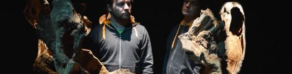 Nicolas Camus et Benoît Sicat (à droite) au milieu de leurs instruments forestiers.