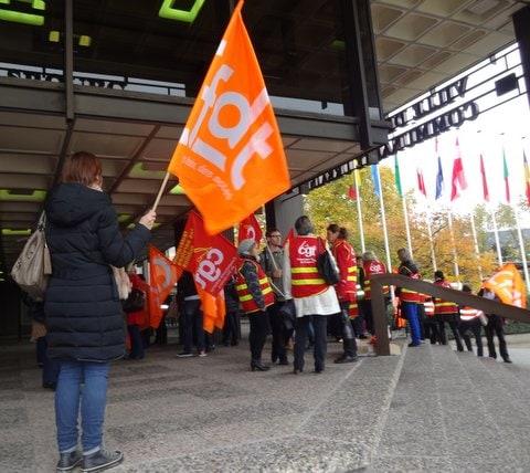 Une manifestation des employés du service de l'Enfance et de l'Education (document remis)