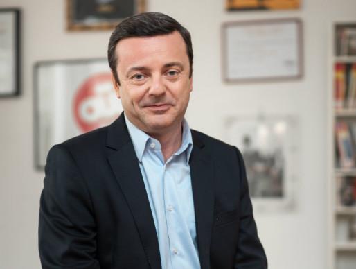 Emmanuel Rials, président de OÜI FM, fervent partisan de la RNT pour atteindre Strasbourg comme d'autres villes. (Photo Yann Buisson / OÜI FM)