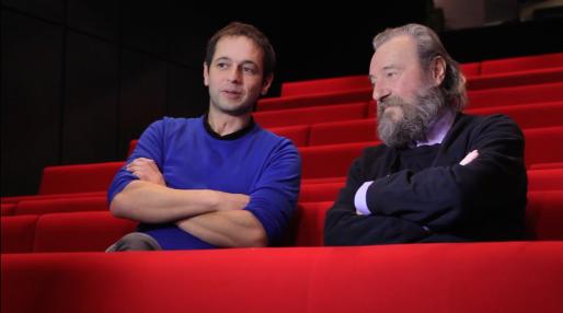 Renaud Herbin, directeur du TJP CDN d'Alsace-Strasbourg depuis 2012 et André Pomarat, fondateur du TJP et directeur jusqu'en 1997 (Capture d'écran)