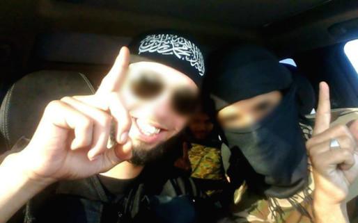 Mourad Farès, alias Abu Rachid (à gauche sur la photo) était considéré comme une star de la djihadosphère par les services de renseignements (Photo tirée de son Facebook)