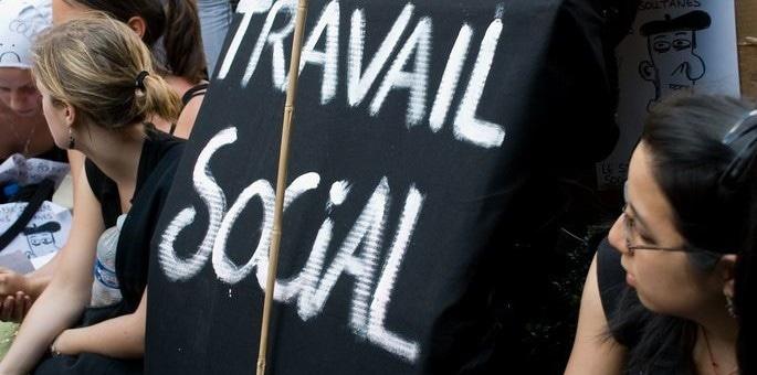 Quand le social doit devenir rentable: des éducateurs strasbourgeois témoignent