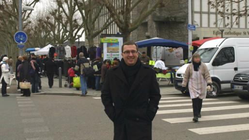 En 2011 Mathieu Cahn faisait campagne au marché de la Meinau pour les cantonales. Cette année, il ira faire campagne au centre-ville.
