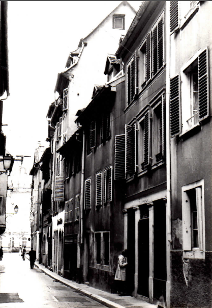 Rue Sainte-Madeleine, avant rénovation dans les années 1970 (Document remis)
