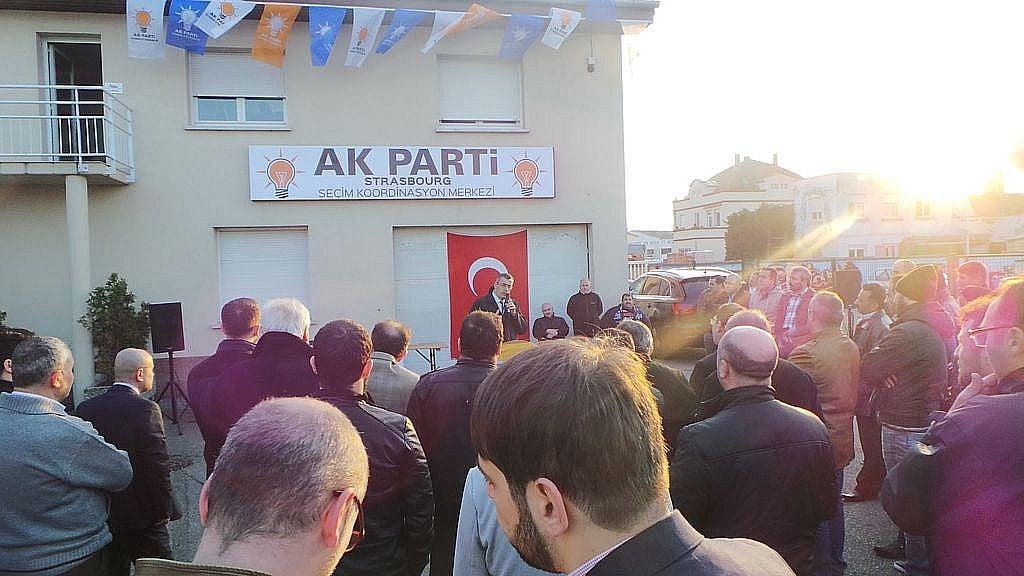 le parti turc akp ouvre son premier bureau fran ais. Black Bedroom Furniture Sets. Home Design Ideas