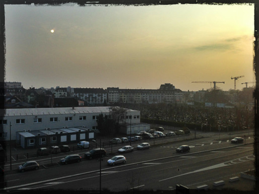 Le ciel un jour de pic de pollution à Strasbourg. (photo JFG / Rue89 Strasbourg)