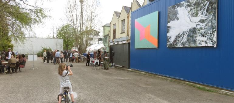 La peinture s'affiche en grand à Zone d'Art