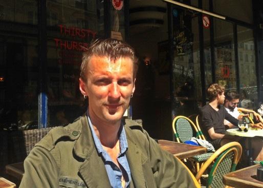 """Clément Léon est le maire de la nuit de Paris : """"Je travaille le jour et la nuit je la passe avec les noctambules."""""""