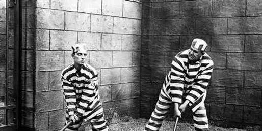Travail en prison : une main d'oeuvre docile, rentable et peu avouable