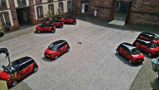 18 voitures, puis 30 véhicules dans les rues de Strasbourg. (photo PF / Rue89 Strasbourg)