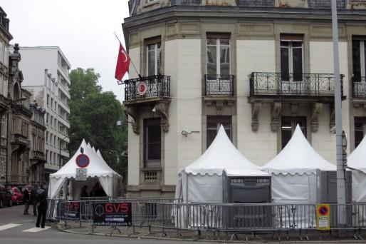 Le Consulat de Turquie à Strasbourg, équipé pour les élections (Photo: Rue89Strasbourg/MG)