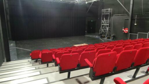 La salle de spectacle du Hall des chars de 135 places, très convoitée par le Katfeur (Photo JFG/Rue89 Strasbourg)