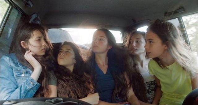 Mustang, cavalcade adolescente et «Virgin decline»