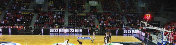 Les matches 3 et 4 de la finale de la SIG se joueront à Limoges, mais seront diffusés sur écran géant place Kléber. (photo JFG / Rue89 Strasbourg)