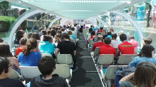 Grâce aux casques, les passagers sont très calmes et le niveau sonore à l'intérieur est minimal (Photo PF / Rue89 Strasbourg / cc)