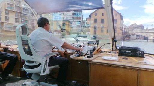 Le capitaine Pedro sent bien le bateau, ça passe à tous les coups. (Photo PF / Rue89 Strasbourg / cc)