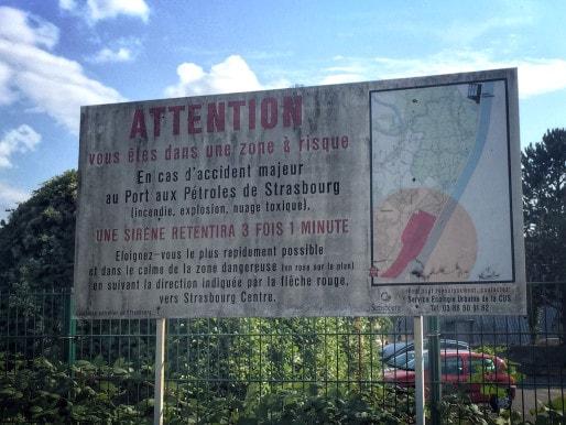 Conseils de sécurité dans la zone du Port aux Pétroles de Strasbourg (Photo Gaspard Glanz / Rue89Strasbourg)
