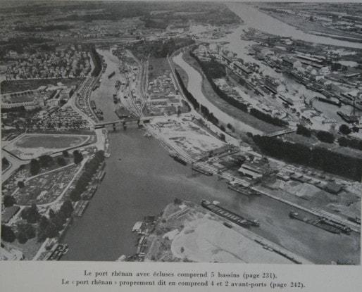 Bassins Dusuzeau et Vauban au sud, bassin des Remparts au nord - A noter : le Petit-Rhin, comblé dans les années 1950, serpentait à la place des actuelles rues d'Alger, de Dunkerque et du Petit-Rhin (Doc. PAS)