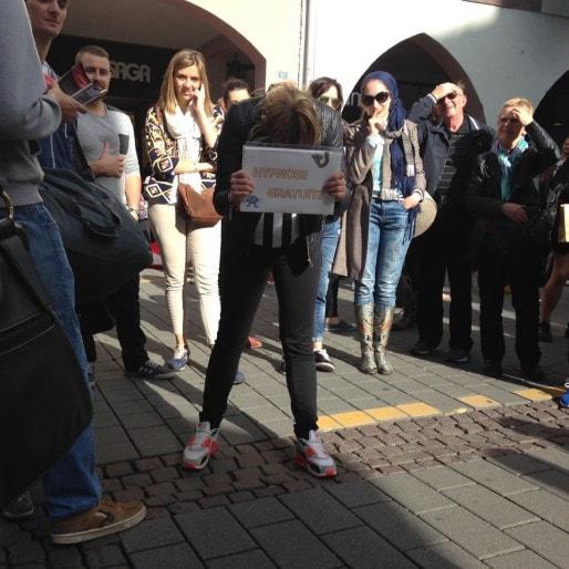 Plusieurs formes d'hypnose existent, dans la rue méthode flash est la plus couramment utilisée. (Photo CF / Rue89 Strasbourg)