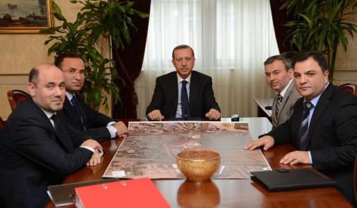 En février 2013, l'équipe de Ditib Strasbourg rencontrait le président turc Recep Tayyip Erdogan à Ankara pour faire avancer le projet de Faculté islamique, notamment son financement et la reconnaissance de son diplôme en Turquie. Photo Facebook