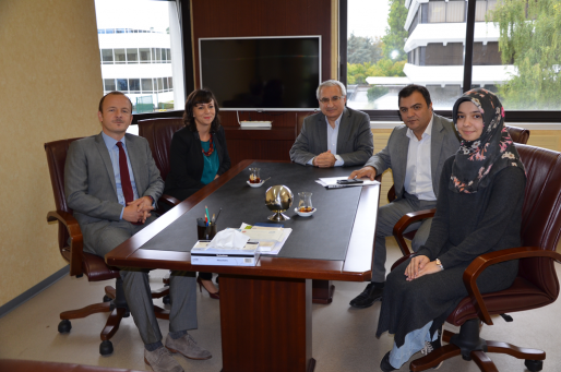 Le 15 septembre 2015, Fevzi Hamurcu (centre) et Murat Ercan (à sa droite) recevait la visite de Frédéric Lallier et Katia Mebtouche (à gauche), du Bureau central des cultes, rattaché au Ministère de l'Intérieur. crédit : Ditib Strasbourg.