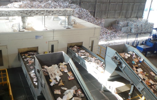 Phase de séparation mécanique entre revues, journaux, corps creux et corps plats