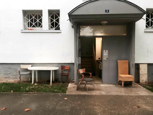 Rue des Eyzies au Neuhof, des habitants se sont recrées leur propre espace de sociabilité (Photo: OG/Rue89 Strasbourg)