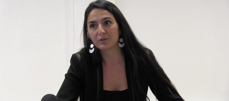 Attaquée par les conservateurs turcs, Mine Günbay réplique