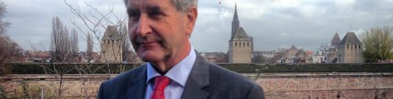 Philippe Richert propose un conseil régional où les partis non-élus pourraient apporter leur voix à la construction de la grande région (photo JFG / Rue89 Strasbourg)