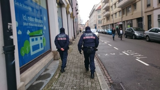 Dorénavant, les agents de surveillance de la voie publique devront travailler entre midi et 14 heure. (Photo : TM)