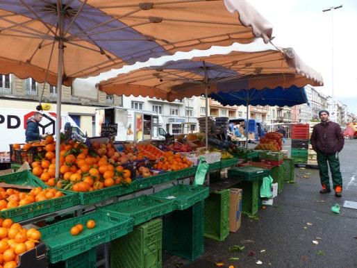 Arman donne déjà les invendus de ses fruits et légumes aux glaneurs strasbourgeois. (AF/Rue89Strasbourg/CC).
