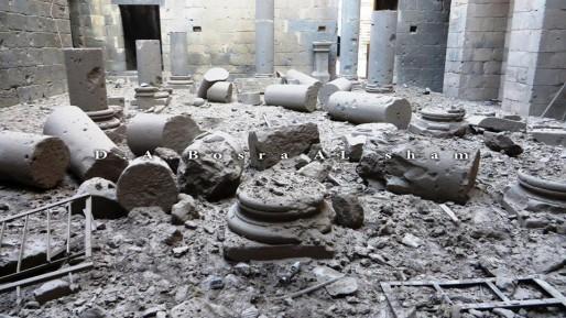 Le théâtre romain à Bosra est gravement endommagé par deux barils de TNT largué par les forces aériennes syriennes le 22 décembre. (Document remis)