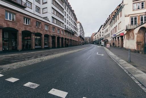 La rue de la Division Leclerc vide de voitures pendant le Marché de Noël (Photo Mathieu Piranda / Behance)