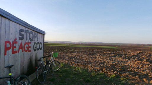L'autoroute payante doit passer en contrebas de ces terres agricoles, jugées fertiles. (photo JFG / Rue89 Strasbourg / Flickr)