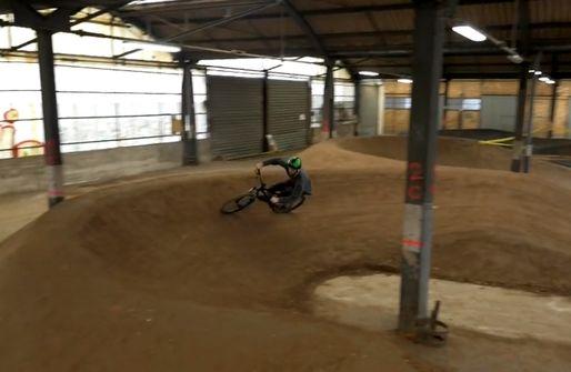 Un gigantesque «bike park indoors» à Strasbourg