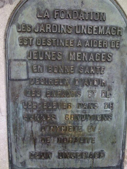Stèle de la cité (Photo EJ / Blog Robertsau)