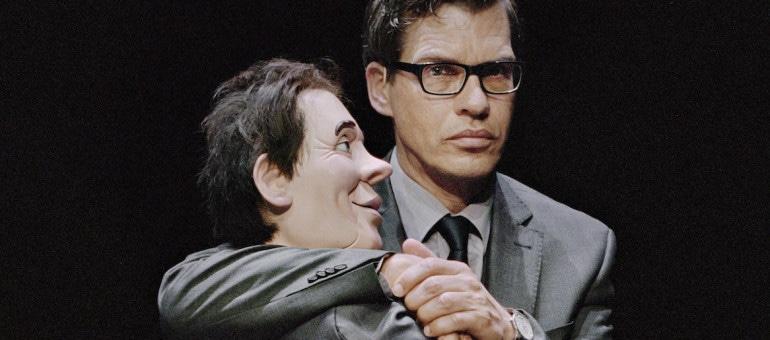 Les ventriloques, ces artistes suspects, mis en lumière par Gisèle Vienne au TJP