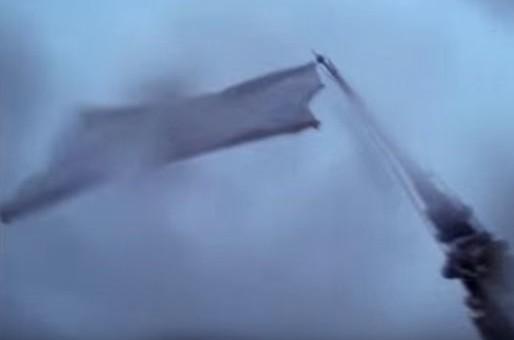 Après les attentats de Bruxelles, il accroche un drapeau blanc à la cathédrale