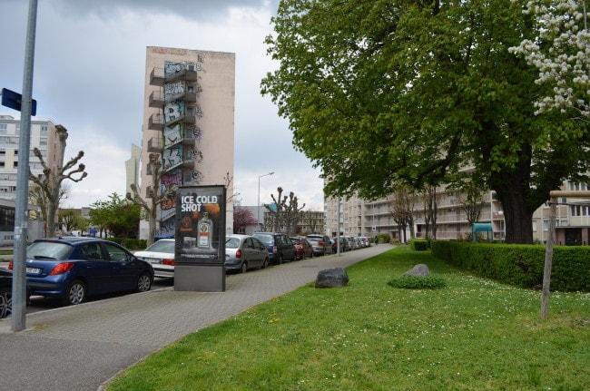 Entre le campus et Rivetoile, la rue de Palerme comporte des chambres universitaires et des logements sociaux (BW / Rue89 Strasbourg).