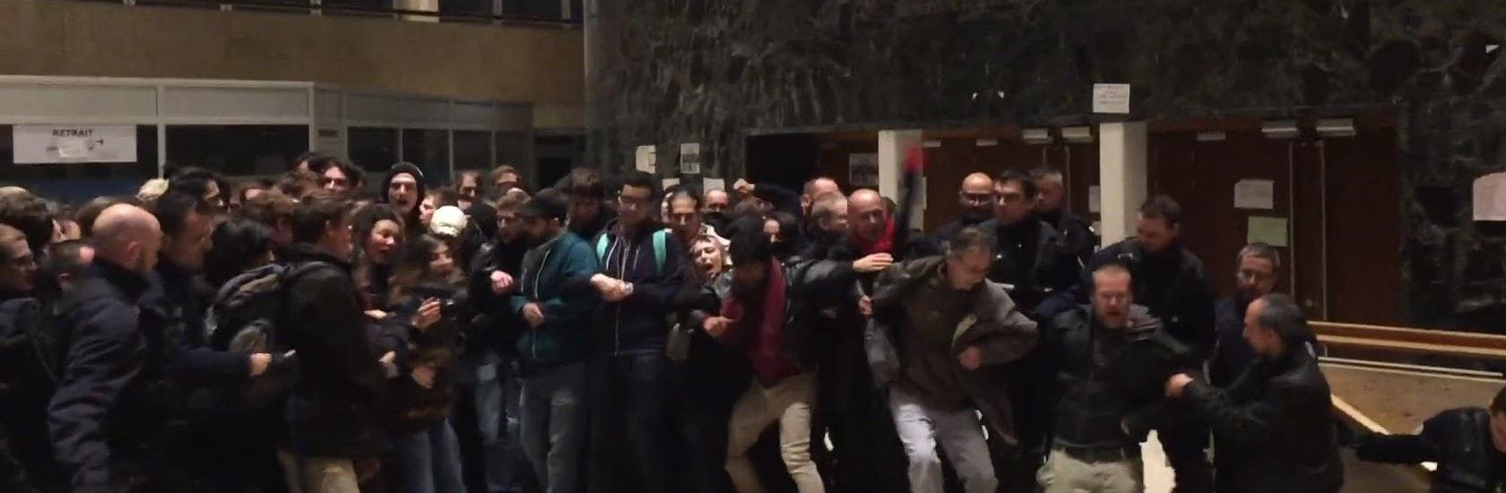 Après la manif, un bâtiment de l'université évacué par la police