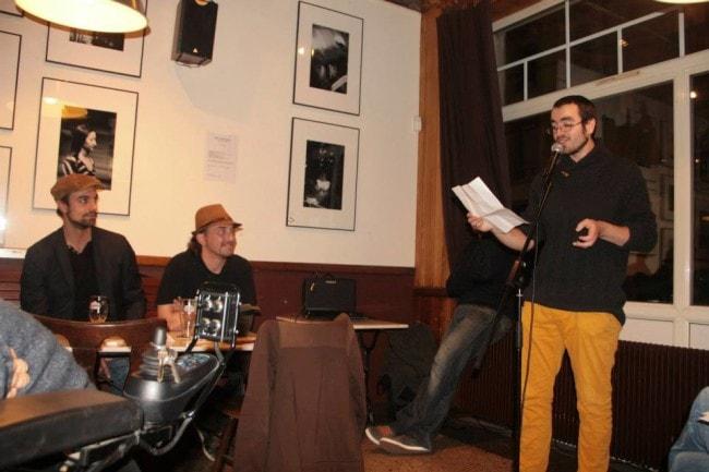 Régulièrement, Léonard Mandavy se produit à des scènes SLAM, où il teste les textes de ses nouvelles chansons... (PHOTO DR)