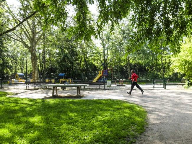 Le parc du Kurgarten est tout en longueur, et très fréquenté par les joggers et enfants du sud de Neudorf (Photo Pascal Bastien)