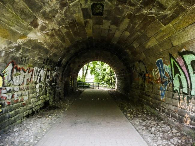 Le tunnel sous la voie ferrée permet de passer de Neudorf à la Kibitzenau (Photo Pascal Bastien)
