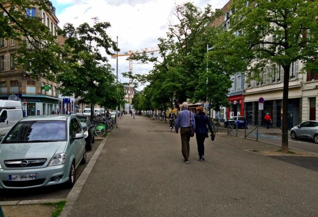 La rue du Faubourg national bientôt traversée par le tram ? (photo JFG / Rue89 Strasbourg)