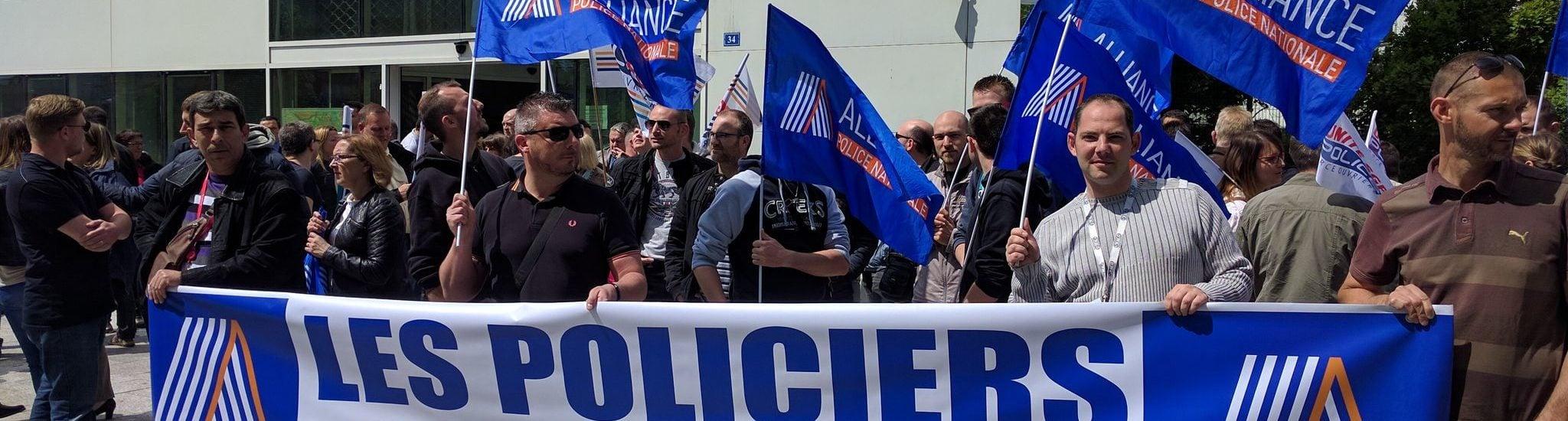 Plus d'une centaine de policiers contre «la haine anti-flics» à Strasbourg